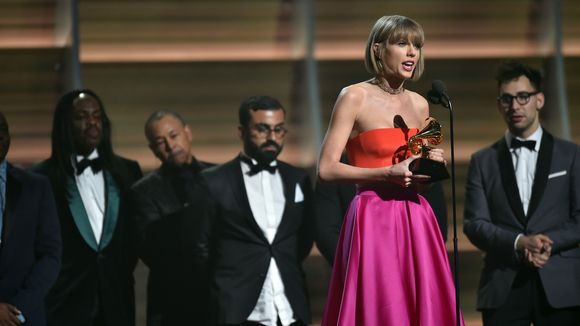 635911783531498017-usp-entertainment-58th-grammy-awards